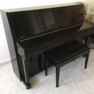 Preloved Black Piano