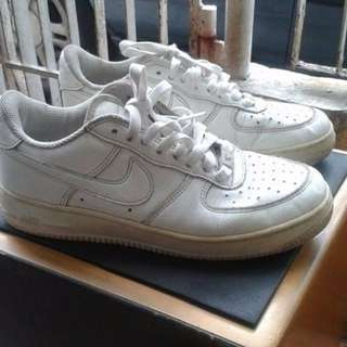 nike air force  (authentic)