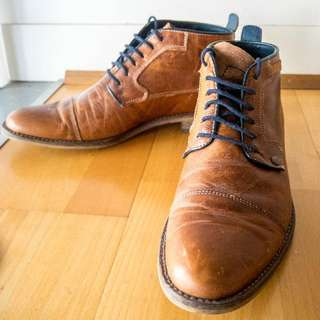 Wild Rhino Lace-up Boots