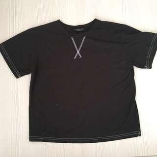 黑色交叉短袖T恤