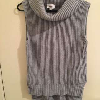 Seed Sleeveless Turtleneck Knit