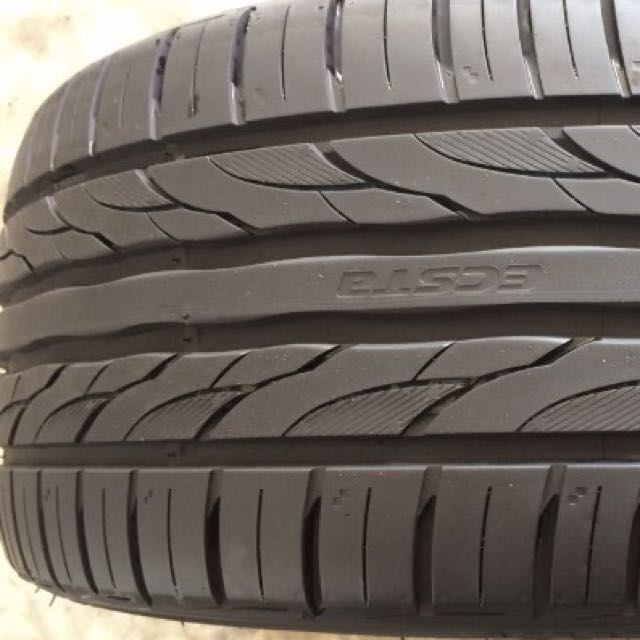 225 40 18 kumho ecsta ps31 tyres on sale car accessories on carousell. Black Bedroom Furniture Sets. Home Design Ideas
