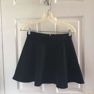 H&M Divided Black Mini Skirt