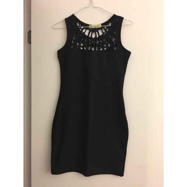 2 Little Black Dresses