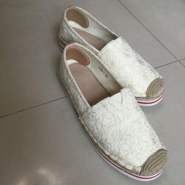 蕾絲休閒鞋