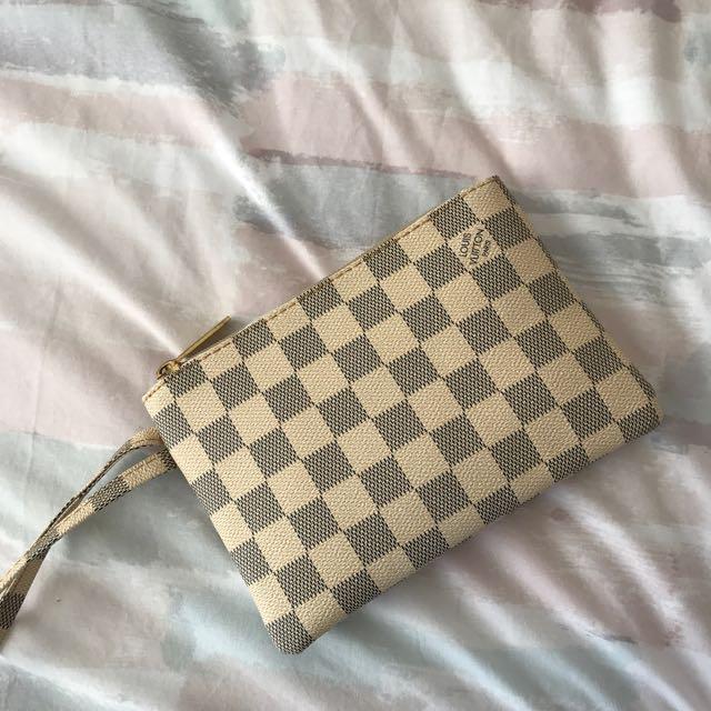 AAA Louis Vuitton Pouch