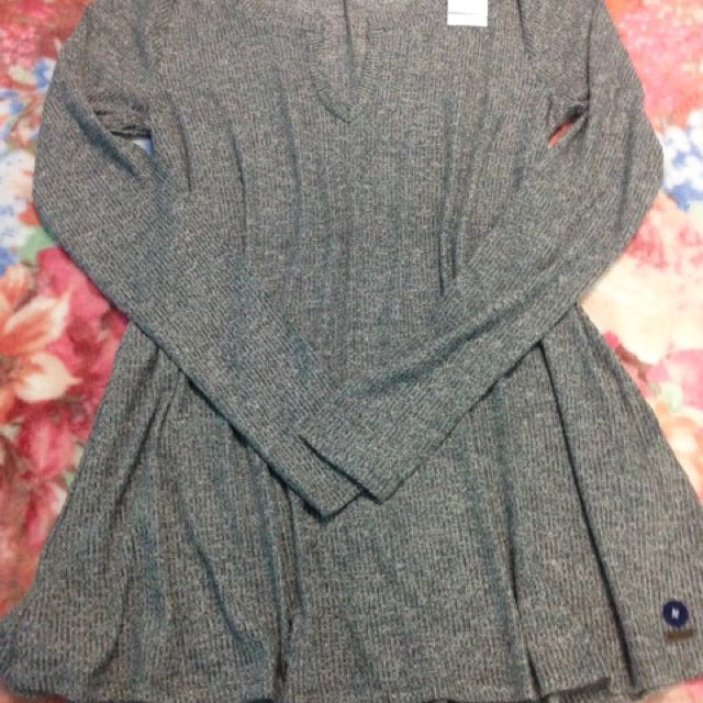 Authentic Hollister Ladies Long-Sleeve