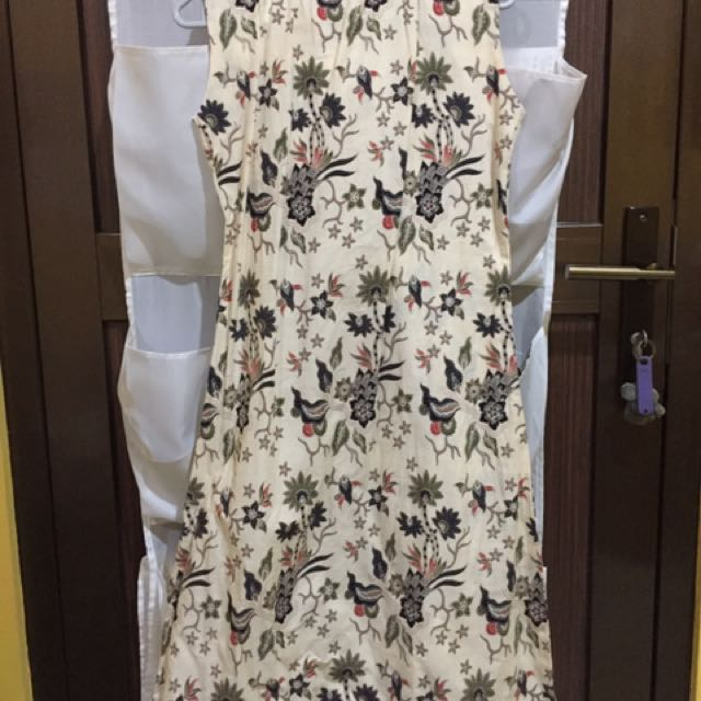 BATIK Sleeveless Dress