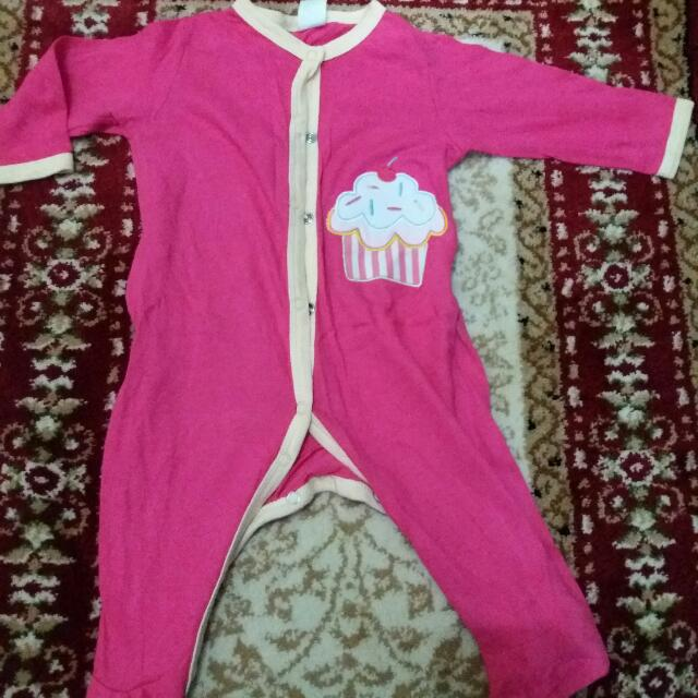 Beli 2 Gratis 1 Preloved Sleepsuit 6-9 Bln