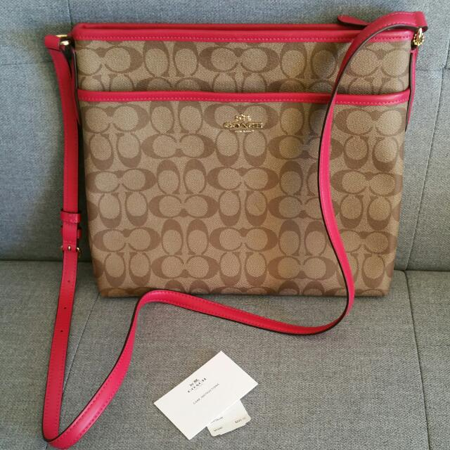 BNWT COACH Messenger Bag