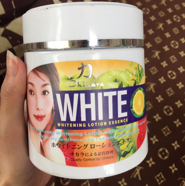🛵Chikara White Whitening Lotion Essensce