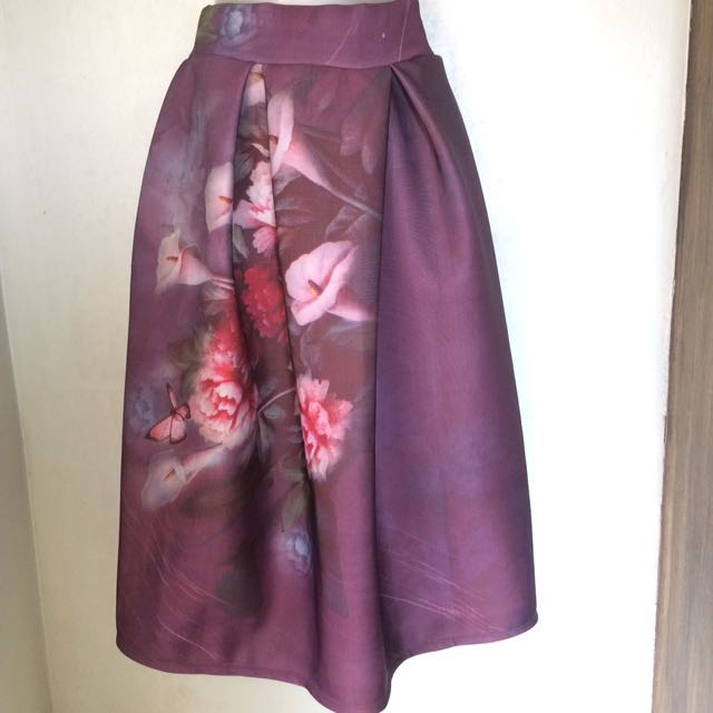 Classic Design Skirt With Pleats