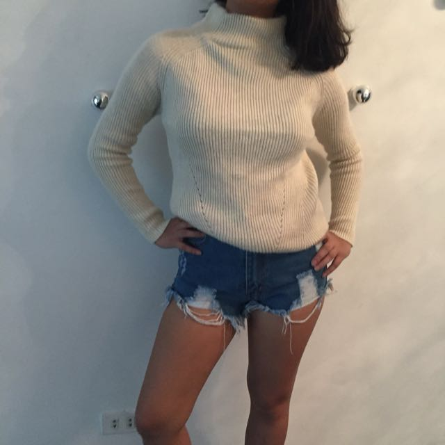 CREME turtleneck knitted sweater