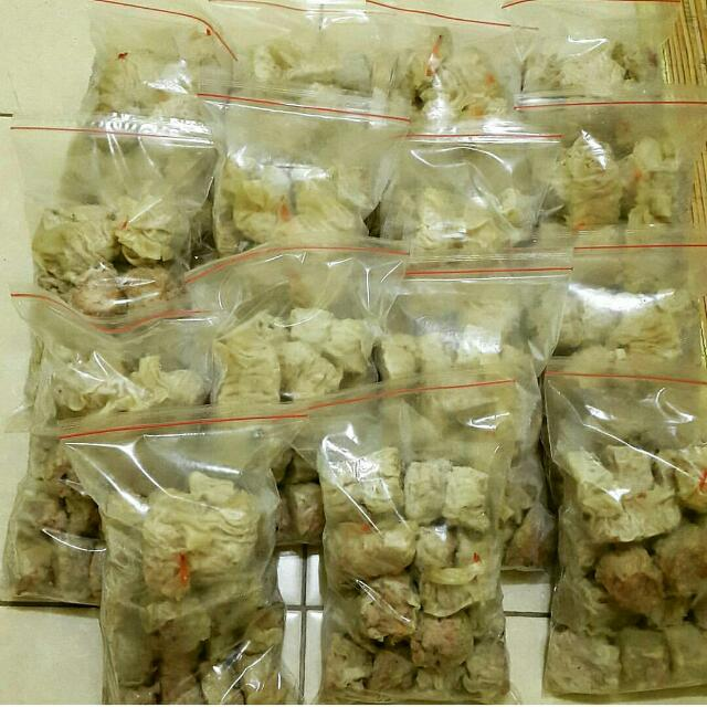 Dimsum Ayam, Cumi, Udang, Wortel, Jamur, Kepiting, Beef. Halal. Wa 08568163395