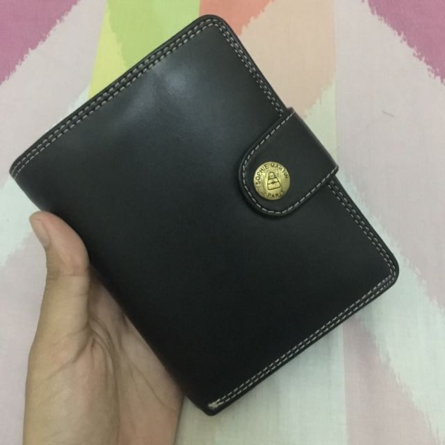 Dompet By Sophie Martin