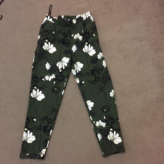 Dorothy Perkins Floral Pants