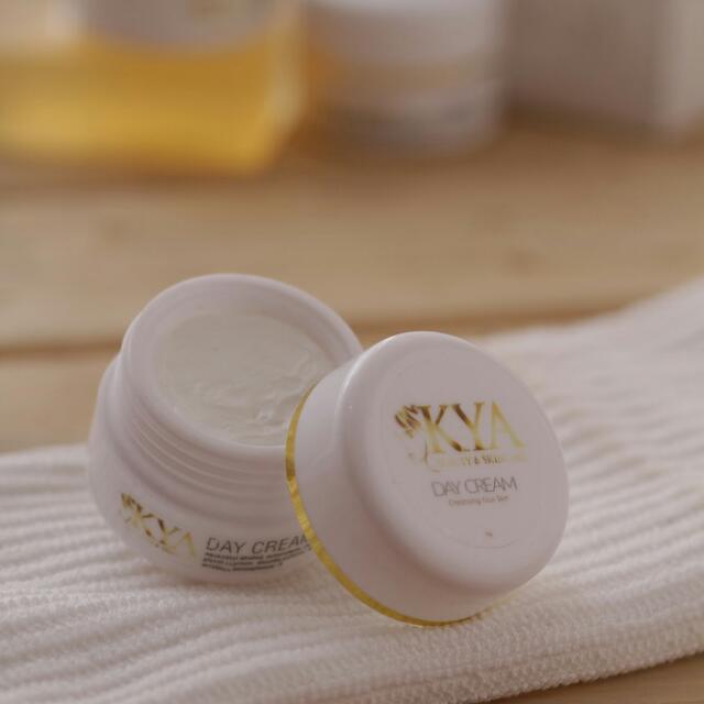 Kya Whitening Skincare