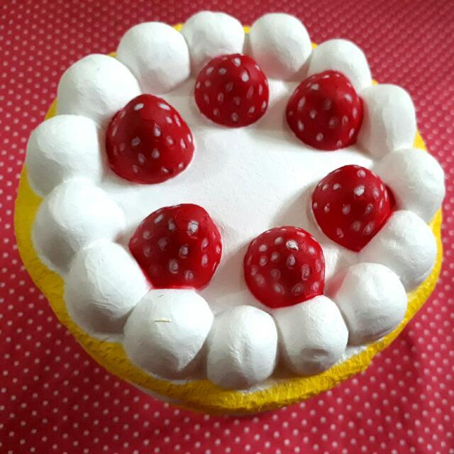 Marshmallow Cake Squishy