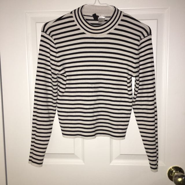 Mock-neck H&M Divided Black Cropped Sweater