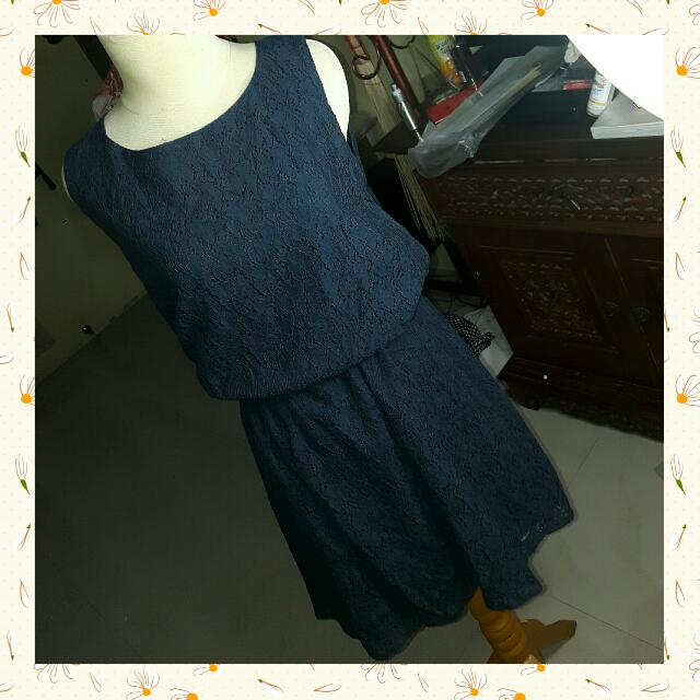 Navy Lace Dress / Terusan Brukat Santai