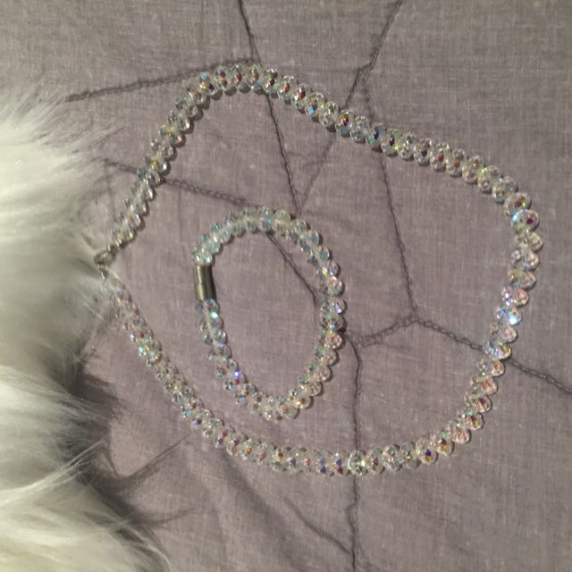 New Crystal Necklace And Bracelet
