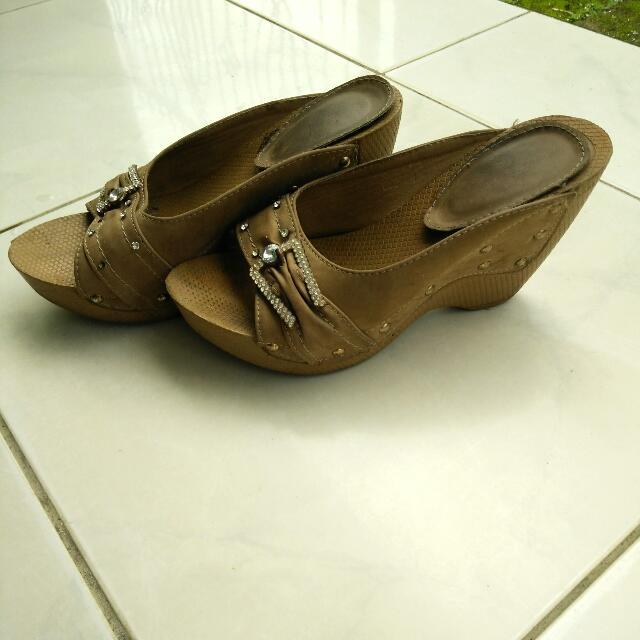 Sandal Wedges Permata