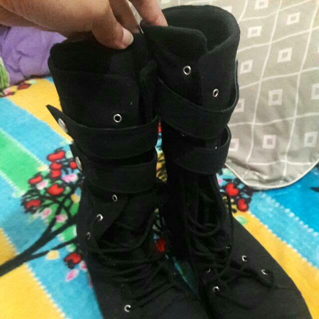 Sepatu Booth Wanita Size 40