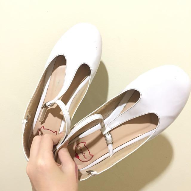 Shoes Putih Murah Heels 3cm . T Bar Sepatu