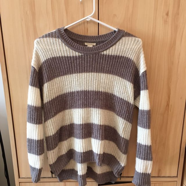 Small Forever 21 Zipper Sweater