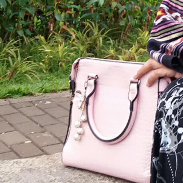TAS SLING BAG BY ZALORA INDONESIA