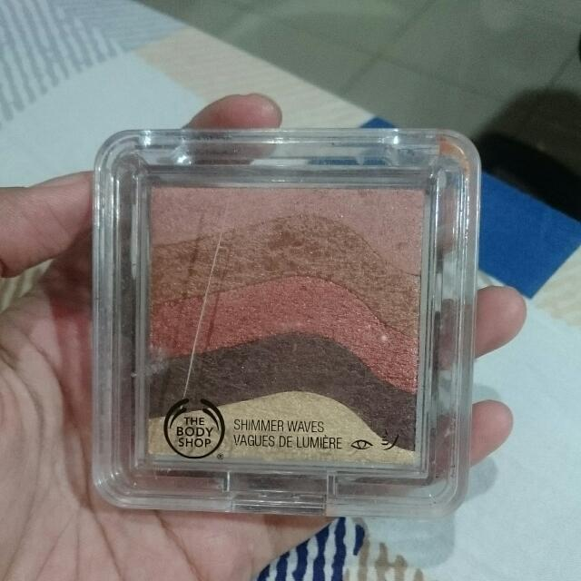 The Body Shop Shimmer Waves Bronze