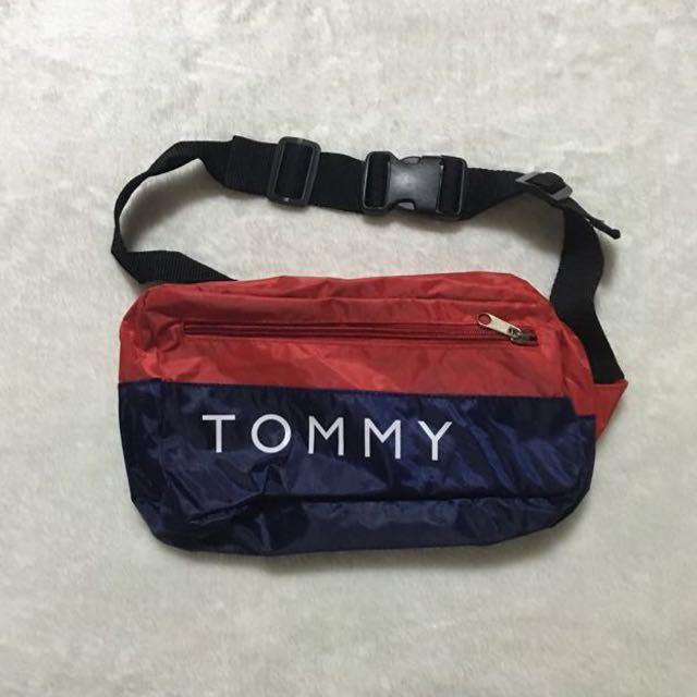 Tommy Hilfiger Signature Fanny Pack Sling Bag Men S Fashion Bags