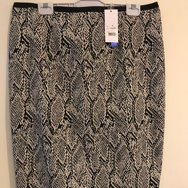 Veronika Maine Pencil Skirt in Snake Skin Print