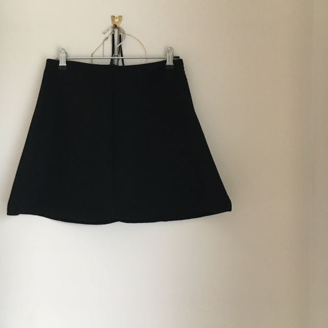 Zara Portugal Black Neoprene Mini Skirt