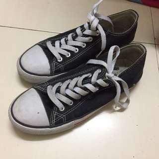 Sneaker Preloved