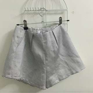 WHITE FOX BOUTIQUE SHORTS
