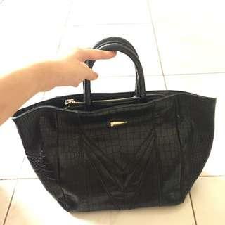 SALE! Bangkok Black & Red Handbags