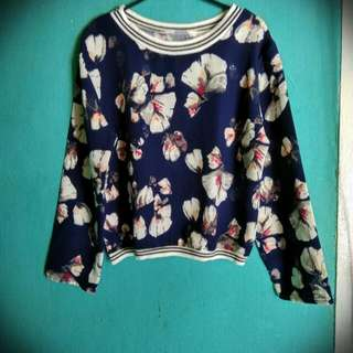 Flower Navy Crop