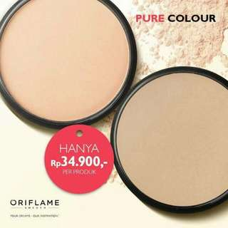 Bedak Pure Colour Oriflame - Light