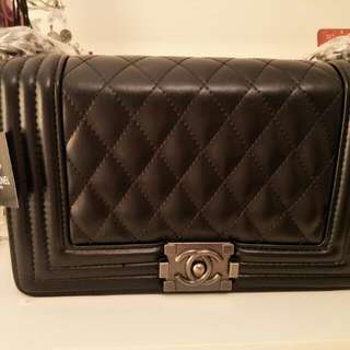 Chanel Cowhide Boybag Medium