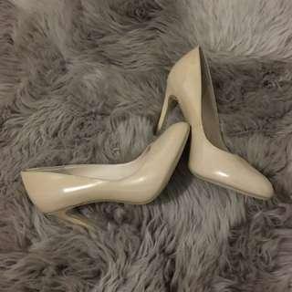 Heels! 👠