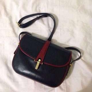 SALE Gucci slingbag