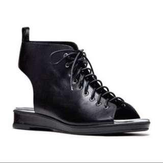 Mi Piaci Shoes