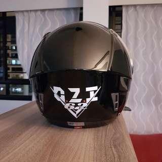 Helmet Ozi