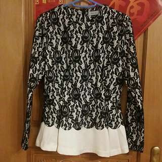 Black And White Lace Long Sleeves Top