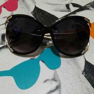 Sunglasses no brand