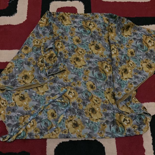 Batwing Flowers Top