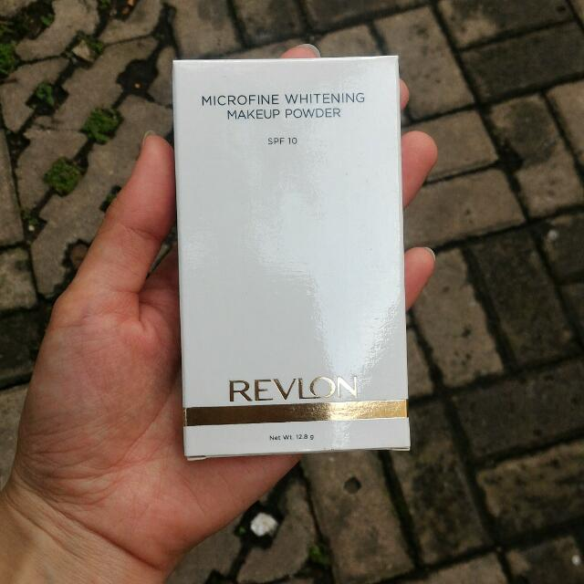 Bedak Revlon (Natural)