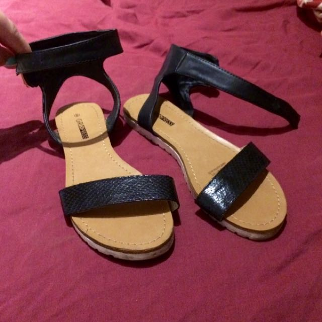 Black Leather Sandals Size 6