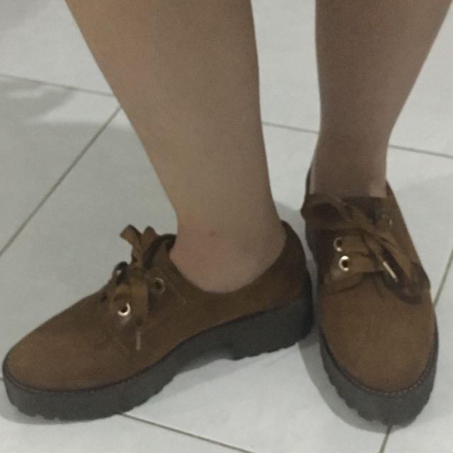 Brown Stradivarius Boot Size 38